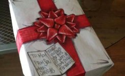 funny-wrapping-paper-Christmas-gift1