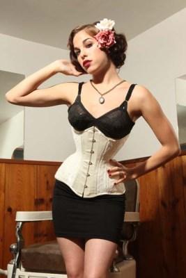 313058ea44ed7 Isabella Corsetry s Josephine underbust corset ( 175 normally). Photo   Mitzi.