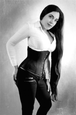 Cincher: Dark Garden. Photo: Remedy Photography. Model: Me (Lucy Corsetry)