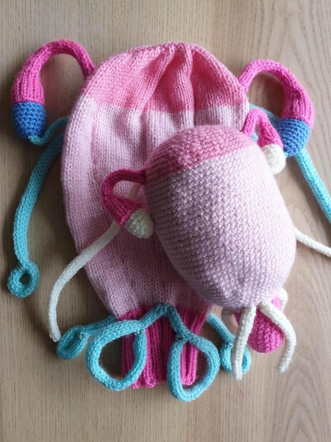 knitted uterus - antenatal teaching aid
