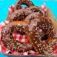 Chocolate-glazed 'Krispy Kreme' style vegan Doughnuts