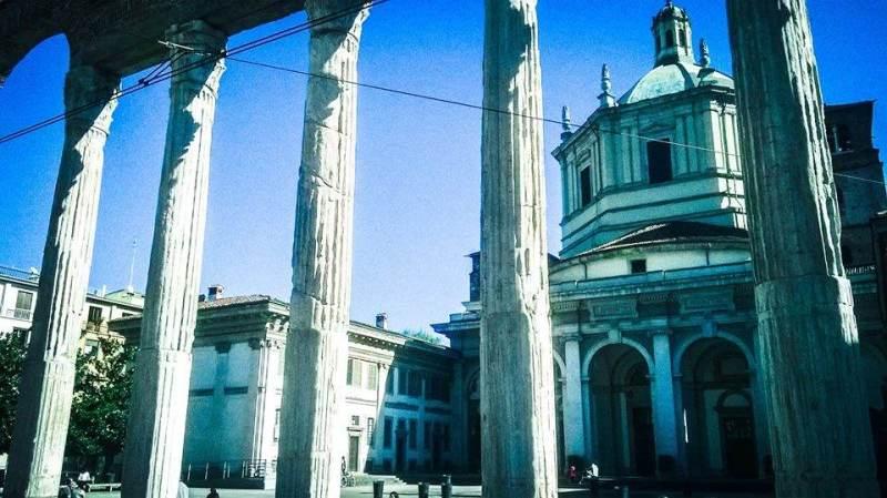 Colonne di San Lorenzo con basilica
