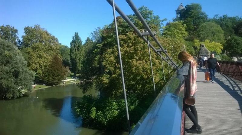 Buttes-Chaumont, Parigi: sul ponte