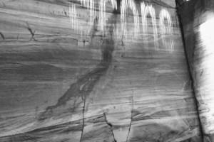 dal museo mona di hobart. scritte con le gocce d'acqua