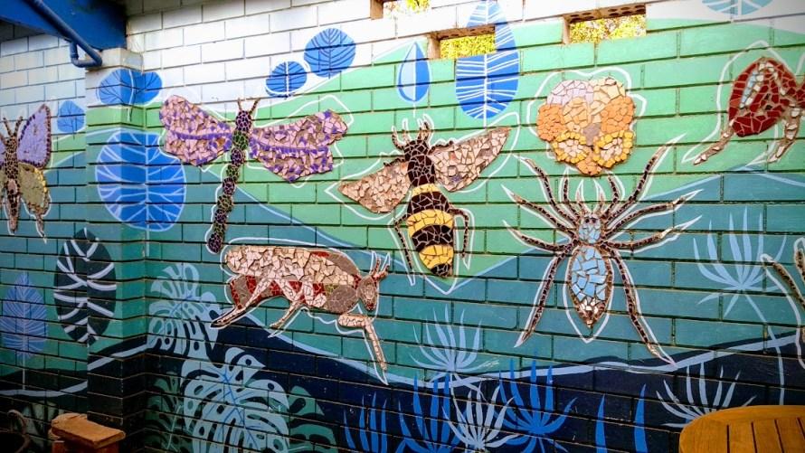 giardino e orto di st kilda - muro con mosaico