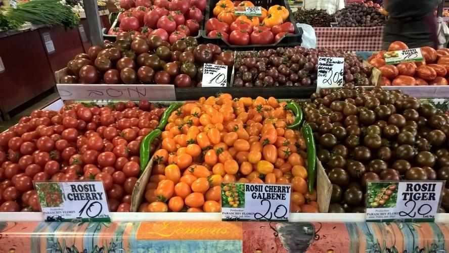 pomodori bancarella