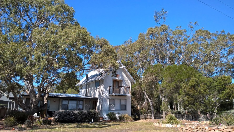 Casa tra gli eucalipti a Raymond Island