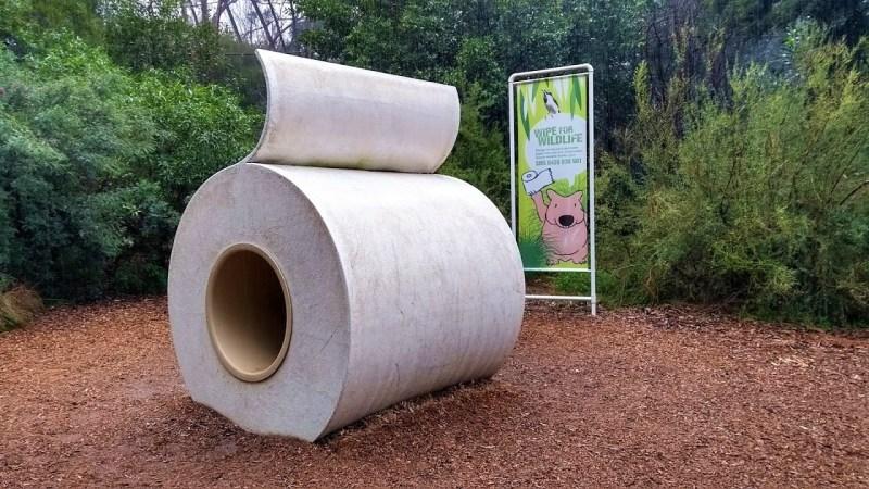 rotolo di carta igienica gigante con vombato