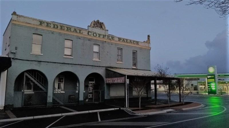 palazzo isolato da qualche parte in Australia