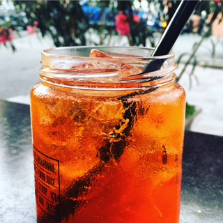 How to Make an Aperol Spritz - Lucy Williams Global