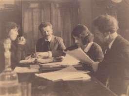 Станіслав Людкевич (в центрі), Василь Барвінський у Вищому музичному інституті імені Миколи Лисенка у Львові, 1930-і рр.