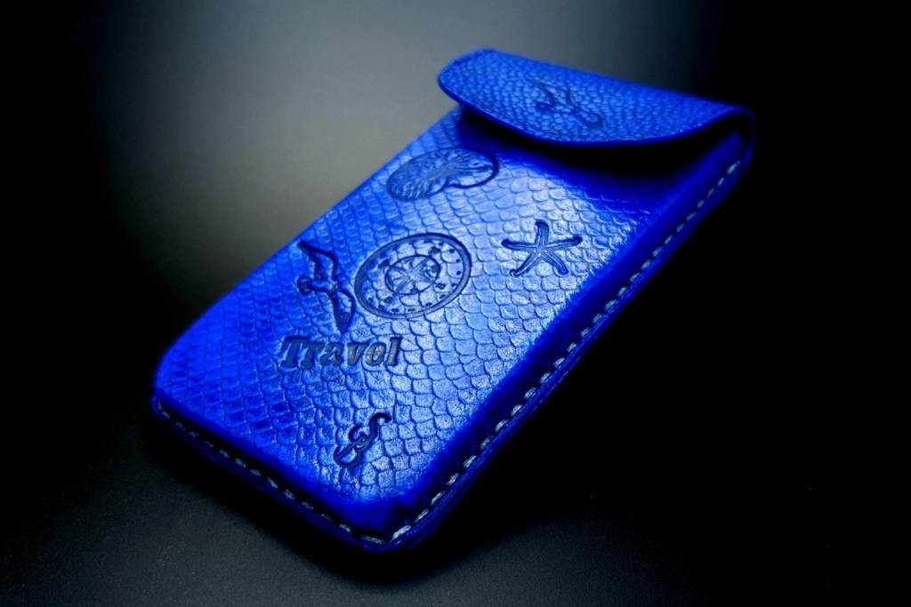 My 2nd handmade phone case from amazing polymer clay Fimo leather! 6