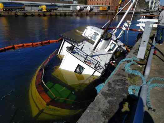 Glassbåten i Karlshamn sjönk 12 april 2016 - Ludwig Sörmlind