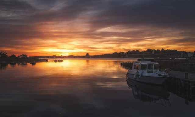 Vacker solnedgång ute på finskan på Tjurkö utanför Karlskrona - Få fler följare på Instagram - Ludwig Sörmlind