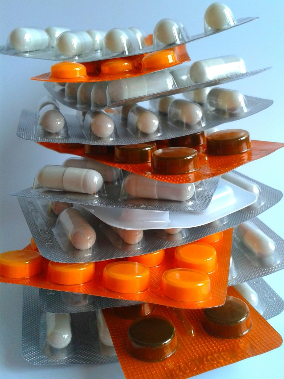 medycyna-farmacja-tabletki-apteka