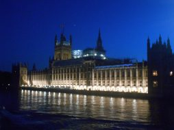 Big Ben y Westminster Palace de Noche – Londres
