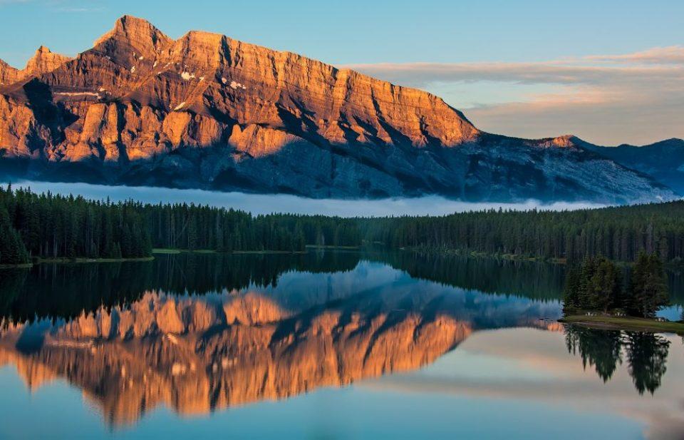 Banff (Canadá) a vista del tren Rocky Mountaineer
