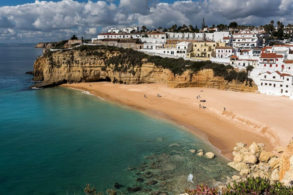 Carvoeiro, uno de los pueblos más bonitos de Portugal en el Algarve