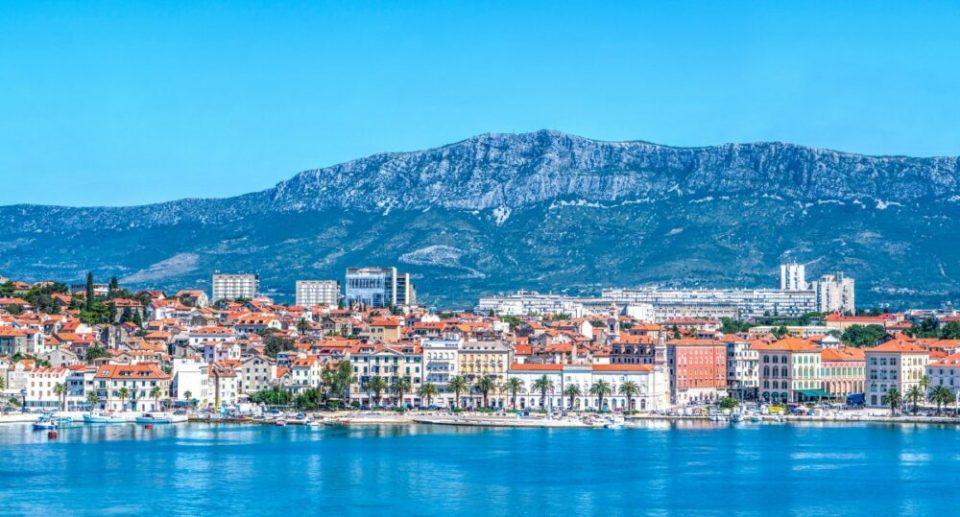 panorámica ciudad de Split sobre el Adriático
