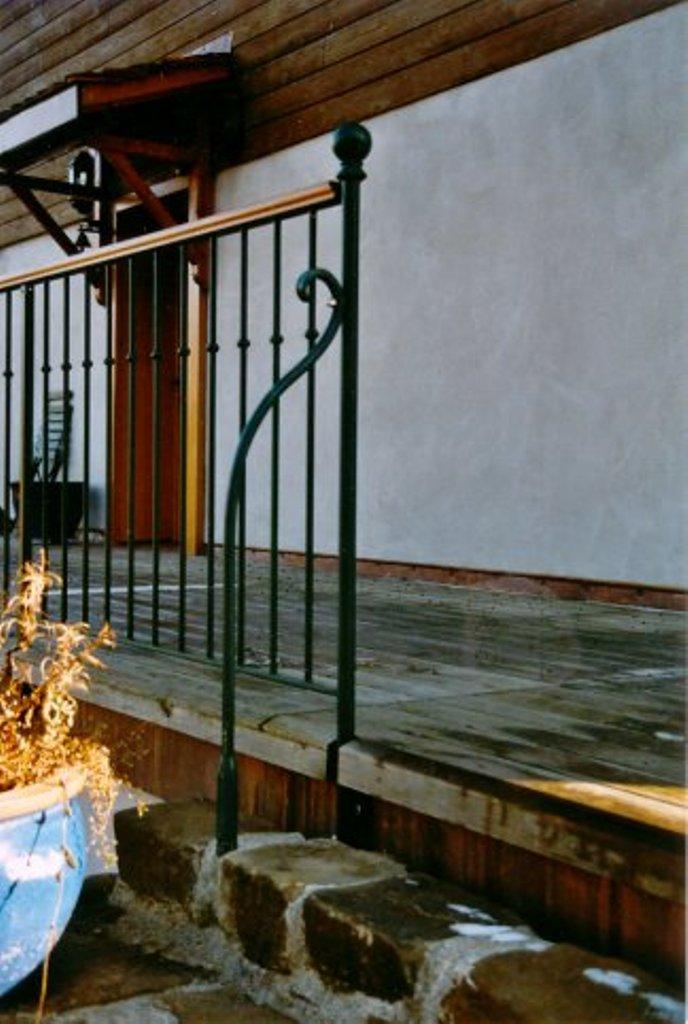 garde corps fer forge 50 suisse lugaz metallerie. Black Bedroom Furniture Sets. Home Design Ideas