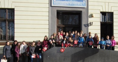 """Lugoj Expres O dimineață... de poveste, la Biblioteca Municipală Lugoj Școala Gimnazială """"Eftimie Murgu"""" Lugoj o dimineață de poveste Biblioteca Municipală Lugoj"""