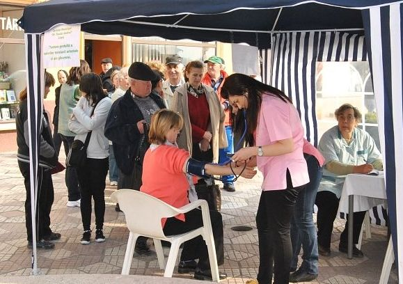 Lugoj Expres Spitalul din Lugoj organizează o acțiune de testare gratuită a glicemiei şi tensiunii arteriale Spitalul Municipal
