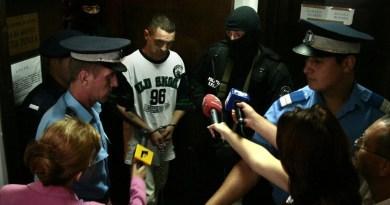 """Lugoj Expres """"Teroristul butelie"""" rămâne în spatele gratiilor. Judecătorii Tribunalului Timiş au acceptat contestaţia procurorilor teroristul în șlapi teroristul butelie primul român condamnat pentru terorism Ioan Florin Lesch"""