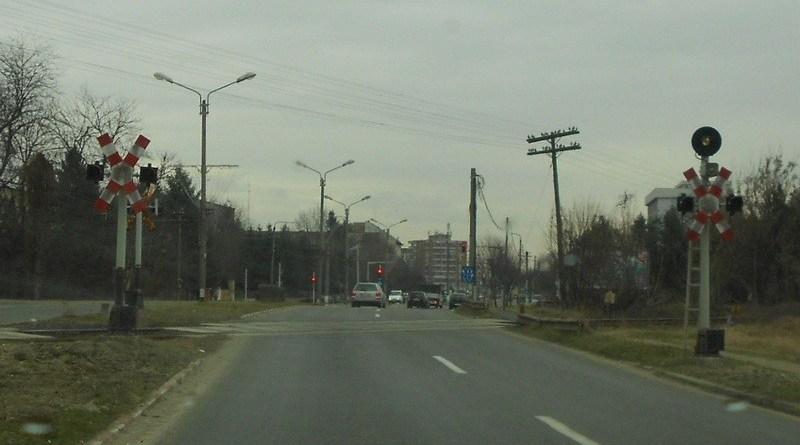Lugoj Expres Lucrări la trecerea la nivel cu calea ferată de la intrarea în Lugoj, dinspre Timișoara trecerea la nivel cu calea ferată secția L2 Lugoj pasajul CFR Lugoj - Ilia lucrări de reabilitare circulație închisă circulația rutieră calea ferată