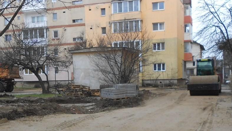 """Lugoj Expres Cetățeni nemulțumiți de o parcare amenajată de municipalitatea lugojeană. Un consilier local atrage atenția: """"Proiectul nu respectă legea!"""" un consilier local atrage atenția proiectul nu respecta legea parcare Lugoj Cotu Mic Consiliul Local Lugoj cetateni nemulțumiți"""