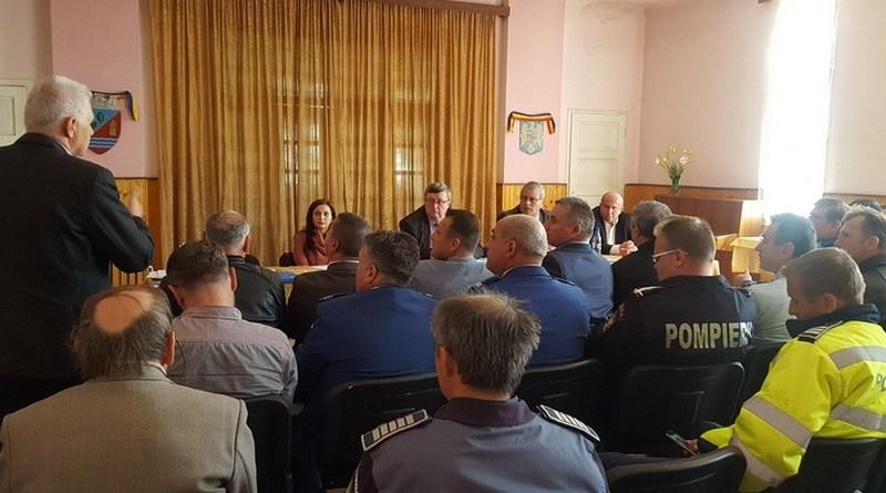 Lugoj Expres Președintele ATOP s-a întâlnit cu primarii și reprezentanții structurilor de ordine publică din zona Făgetului Timiș teritoriu ședință ordine publică Făget ATOP