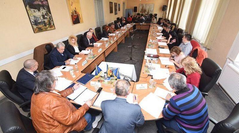 Lugoj Expres Politicieni, în consiliile de administrație ale unităților de învățământ din Lugoj unități de învățământ ședință PSD politicieni PNL PMP Lugoj Consiliul Local Lugoj consilii de administrație consilieri ALDE