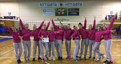"""Lugoj Expres CSM Lugoj a câștigat primul trofeu în noua formulă: Cupa """"NTT Data"""" volei turneu volei trofeu Cupa NTT Data CSM Lugoj Cluj"""