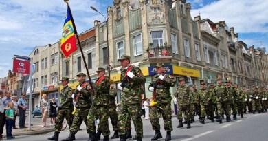 Lugoj Expres Ziua Armatei, sărbătorită în Garnizoana Lugoj Ziua Armatei TIR simpozion Garnizoana Lugoj cupa rezervistului cupa presei ceremonial militar