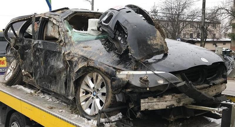Lugoj Expres Accident grav pe centura Lugojului. O tânără de 19 ani a murit victime tineri Gorj studenți sens giratoriu răniți grav o tânără de 19 ani a murit Gorj centura Lugoj accident