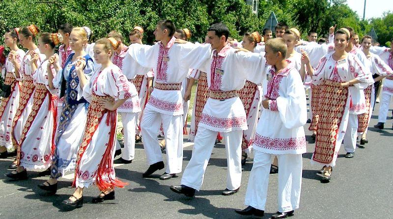 Lugoj Expres Festival euroregional de folclor, în apropiere de Lugoj tradiții spectacol folcloric Școala Bănățeană proiect folclor festival euroregional Coșteiu Colegiul Tehnic Valeriu Braniște Lugoj
