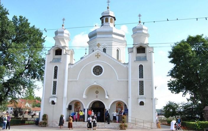 Lugoj Expres Sprijin financiar! 17 biserici din Lugoj primesc bani de la bugetul local unități de cult Lugoj lăcașuri de cult bugetul Lugojului biserici bani publici bani