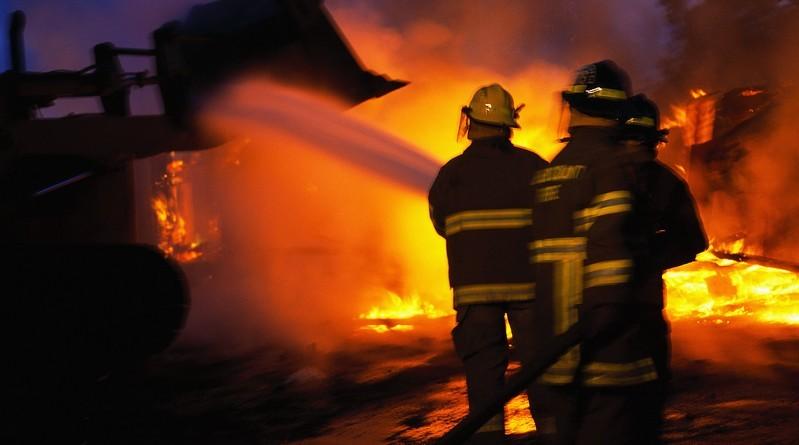 Lugoj Expres Primărie distrusă de un incendiu primărie pompieri Pietroasa intervenție incendiu primărie incendiu devastator incendiu
