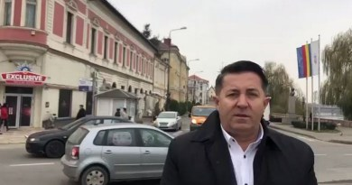 Lugoj Expres Protest în centrul Lugojului: Fără săli cu jocuri de noroc lângă școli și licee unități de învățământ Ștefan Dănuț Szentpeteri școli săli de jocuri protest om de afaceri manifestație lugojeni Lugoj jocuri de noroc