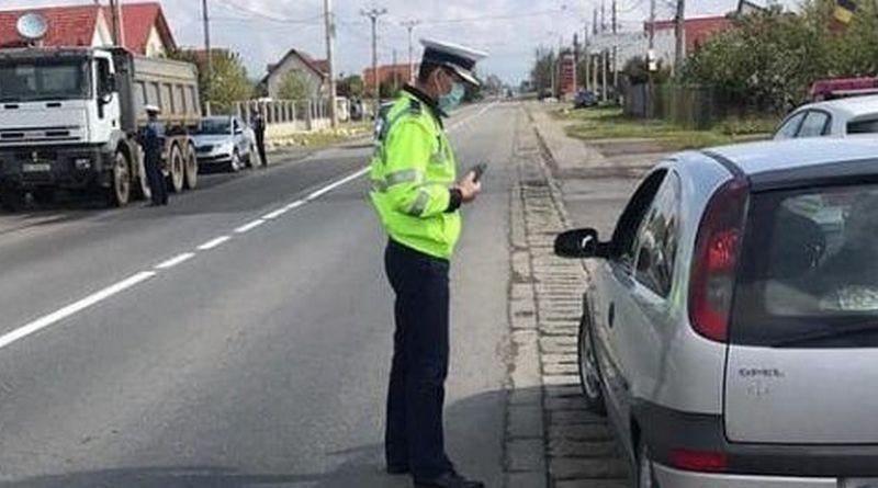 Lugoj Expres Zeci de șoferi, amendați și lăsați fără permis pentru că au trecut pe roșu Timișoara șoferi amendați siguranța rutieră semafor sancțiuni Lugoj fără permis culoarea roșie conducători auto au trecut pe roșu