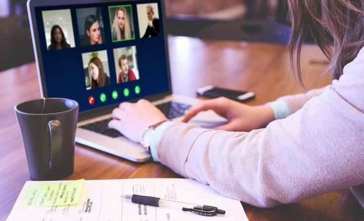Lugoj Expres Webinare gratuite pentru cadrele didactice webinar proiect profesori predare online învățare online înscrieri Fundația Dan Voiculescu pentru Dezvoltarea României educația virtuală comunicare online cadre didactice aplicații digitale