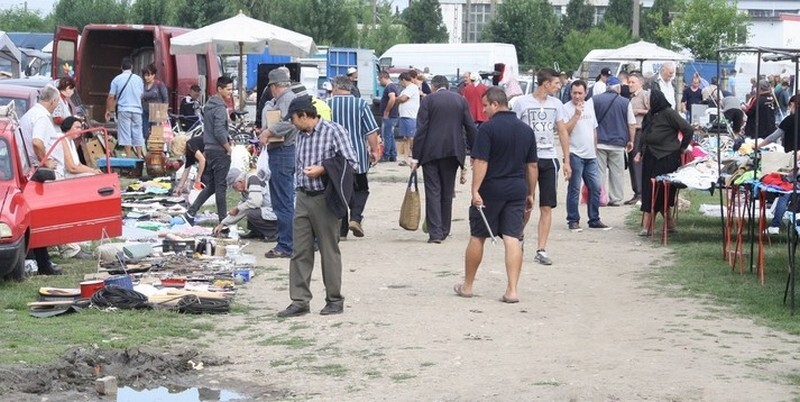 Lugoj Expres Se redeschide Piața de vechituri din Lugoj vechituri Piața Obor piața Lugoj piața de vecituri piața obor Lugoj cumpărături comercianți