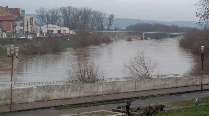 Lugoj Expres Râul Timiș - cod galben de inundații în zona SH Lugoj Timiș râul Timiș precipitații Lugoj inundații cod portocaliu cod galben Caraș-Severin avertizare idrologică