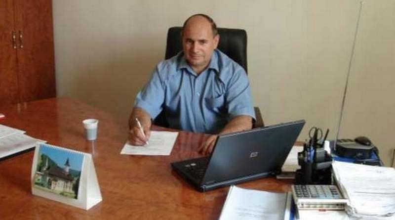 Lugoj Expres Primarul comunei Mănăștiur a fost demis! Prefectul de Timiș a semnat ordinul Timiș primarul comunei Mănăștiu primar revocat din funcție primar demis ordinul prefectului Mănăștiur Ionel Curuți alegerea noului primar