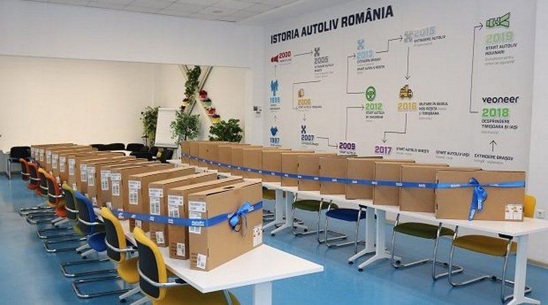 """Lugoj Expres Compania """"Autoliv"""" a donat 30 de monitoare Liceului Teoretic """"Coriolan Brediceanu"""" Lugoj sponsorizare sisteme de siguranță auto proiecte multinațională monitoare Lugoj lider mondial Liceul Teoretic """"Coriolan Brediceanu"""" Lugoj învățământul tehnic informatică donație companie colaborare Autoliv Lugoj Autoliv"""