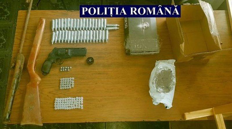 Lugoj Expres Percheziții la Traian Vuia! Polițiștii au găsit arme și muniție uz de armă Traian Vuia perchheziții muniție Făget dosar penal cercetări arme amenințare activități infracționale