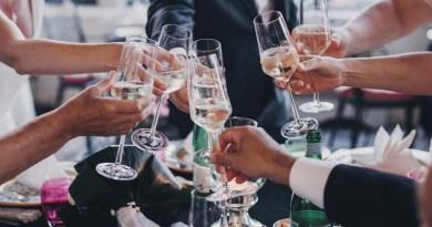 Lugoj Expres Starea de alertă, prelungită cu încă 30 de zile. La nunți și botezuri pot participa 200 de persoane, în interior turneul final starea de alertă persoane vaccinate nunți meciurile de fotbal eveniment sportiv Comitetul Național pentru Situații de Urgență carantină Campionatul European botezuri