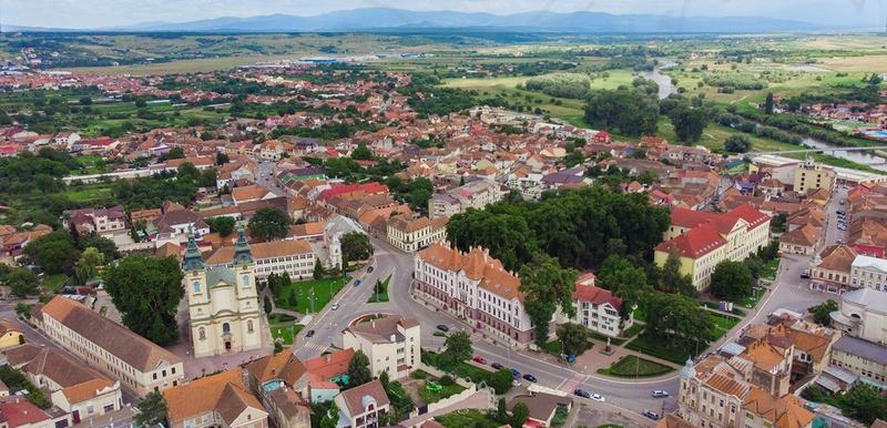 Lugoj Expres Dezbatere publică pe tema îmbunătăţirii calităţii spaţiilor publice din oraşul Lugoj UrbanizeHub Romania spații publice Primăria Municipiului Lugoj dezbatere publică campanie