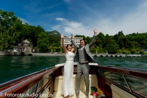 weddingphotographer-lakecomo-boat-tour-villas-photographer-italy (32)