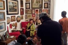 Giuliana Gargiulo -giornalista e scrittrice -  intervista con la troupe