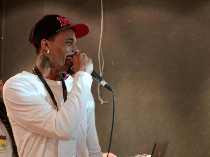 Stado Crítico en el Festival Hip Hop Art Of Poetry en Lavapiés, Madrid. Fotografía de Luis F. Roncero.